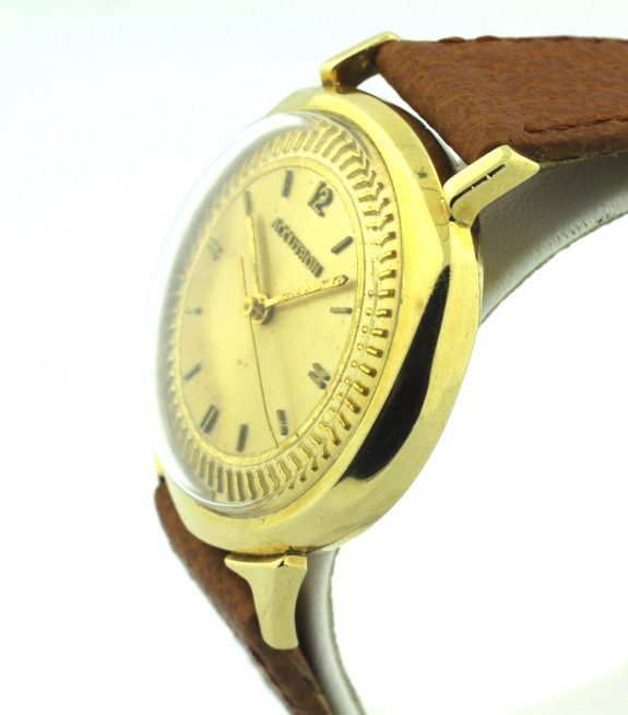 pre owned bulova accutron 14kt yellow gold vintage