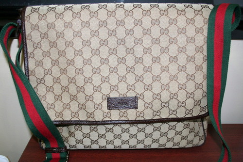 dbcf24e7bea used gucci messenger bag Archives - Boca Pawn