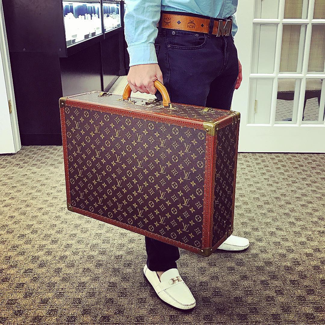Find Out How Your Luxury Pawn Handbag Can Get You Out of